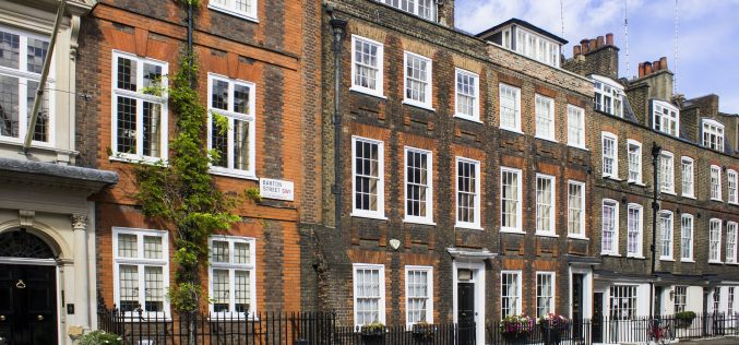 Most tenants in London are spending more than  half their monthly salary on rent